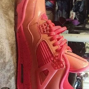 Jordan 4 Retro Hot Punch  Size 5.5